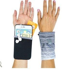 Sprigs Phone Wrist Wallet Black